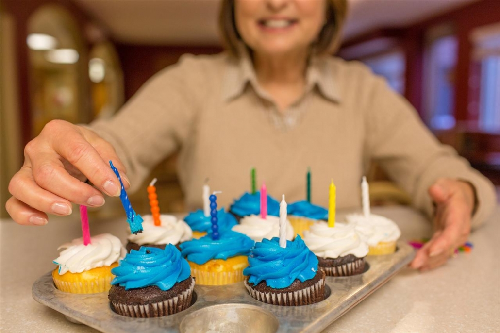 woman with cupcakes
